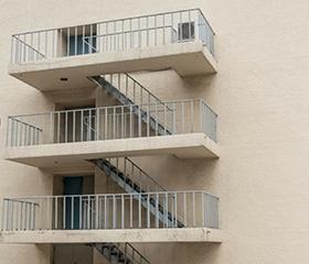 阁楼楼梯材料选哪种的好