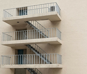 大连阁楼楼梯