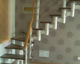 瓦房店隔层楼梯